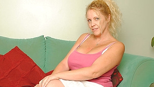 Large titted British housewife shows off great rack and masturbates