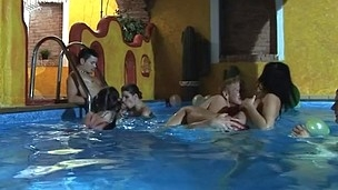 Horny group pounding in the pool