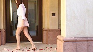 Holly Michaels got pent up into a sultry enjoy by rose petals