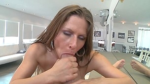 Wayward babe Rachel is masturbating her shaved pussy in the room