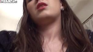 Sarah jerks with her vibrator