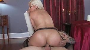 Intimate Seance with Bridgette B